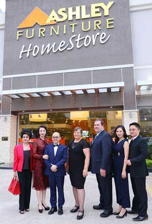 Ashley Homestore Celebrates 600th Store Opening