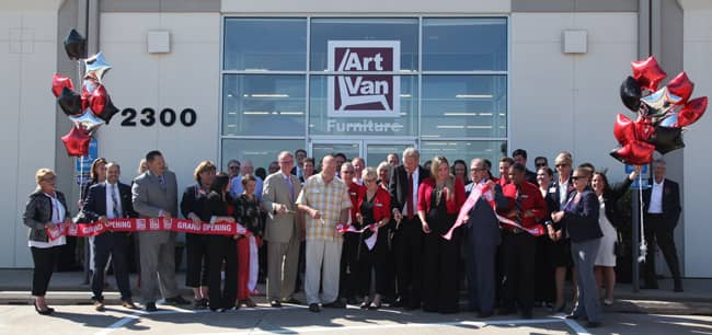 Art Van Furniture Celebrates Expansion Into Iowa With First Two Franchises  In The State